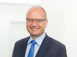 Dr. Erik Silcher